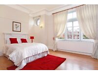 !!!STUNNING LARGE 2 BED IN MAIDA VALE, VERY LARGE BEDROOMS AND RECEPTION, BOOK NOW!!!