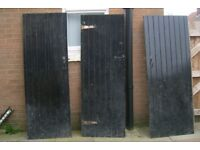 3 wooden doors and frames from indoors. Ideal man cave, bedroom, extension etc etc etc...... £45.oo