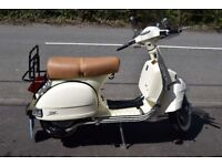 LML Star Deluxe 2T 125cc Manual, showroom condition, 333miles from new, Cream