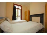 Sharing room in Leyton £115per person (£230 per couple) All bills included.