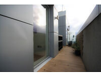 Modern duplex apartment, that offers two doubles and one single bedroom. Great terrace!