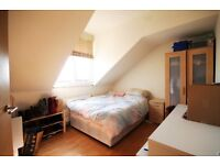 A STUNNING (THREE) 3 BEDROOM FLAT - 2 BATHROOMS - KENTISH TOWN - NW5