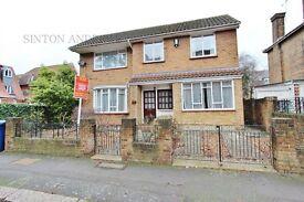 4 bedroom house in Creffield Road, Ealing Common, W5