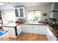 two double bedroom flat in tooting bec/balham with balcony, all mod cons