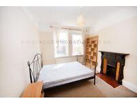 3 bedroom flat with share of the garden