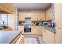 3 bed flat to let in Stoke Newington N16, Great Location in Hackney