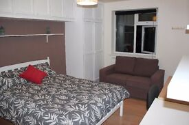 BIG DOUBLE BEDROOM IN BRIXTON HILL