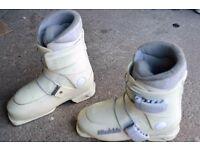 Kids Raichle Ski Boots Size 3 UK