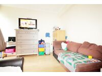 *** BRILLIANT 3 BEDROOM APARTMENT IN A CENTRAL LOCATION***