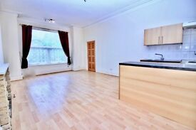 Studio flat to rent Lea Road, Stockport, Cheshire, SK4 £380 pcm