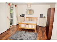 Large King / Twin Size Room Available immediately to rent In Bethnal Green **ALL BILLS INCLUDED**