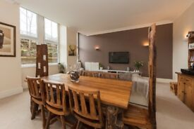 Solid wood dining table, 8 chairs and side board