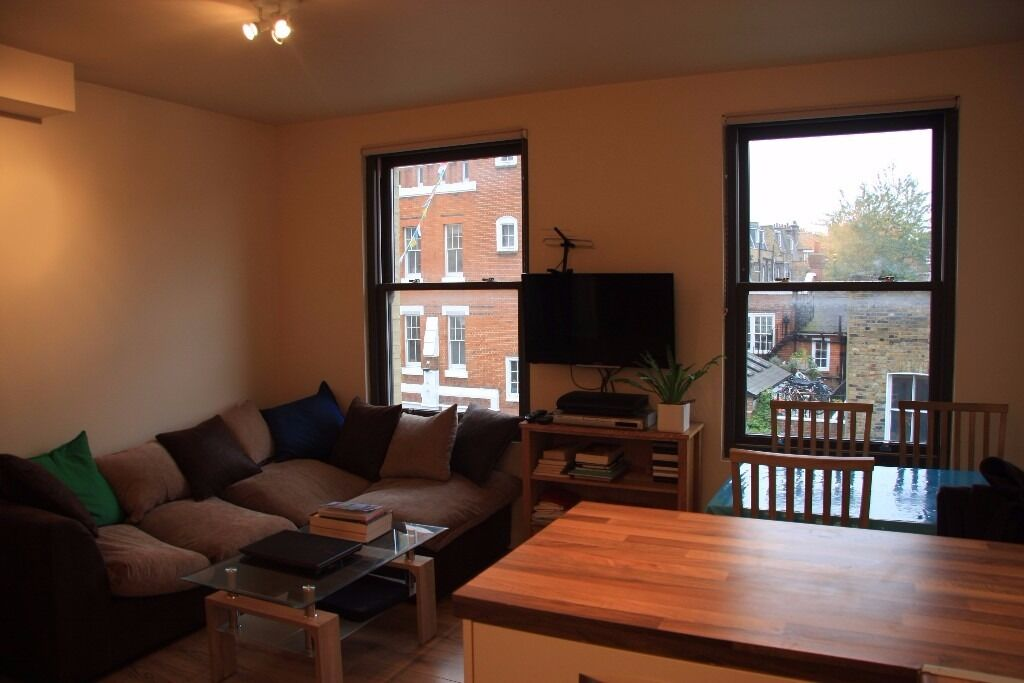 Cosy split level 1 double bedroom flat in Bethnal Green E2