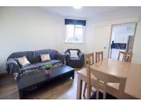 Double Bed in Bright rooms to rent in 6-bedroom houseshare near Camden