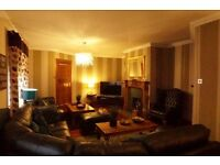 Friendly b&b in Insch. Choice of 5 bedrooms. Private lounge, fast WIFI throughout the house , SKT TV