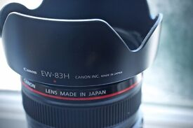 Canon EF 24-105mm f/4 L IS USM Lens - Immaculate Condition, with official hood and caps
