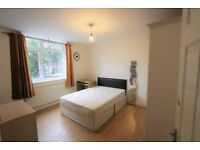 NICE DOUBLE ROOM IN BETHNAL GREEN
