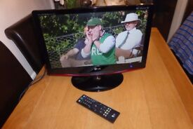 LG 19 INCH WIDESCREEN FREEVIEW LCD TV