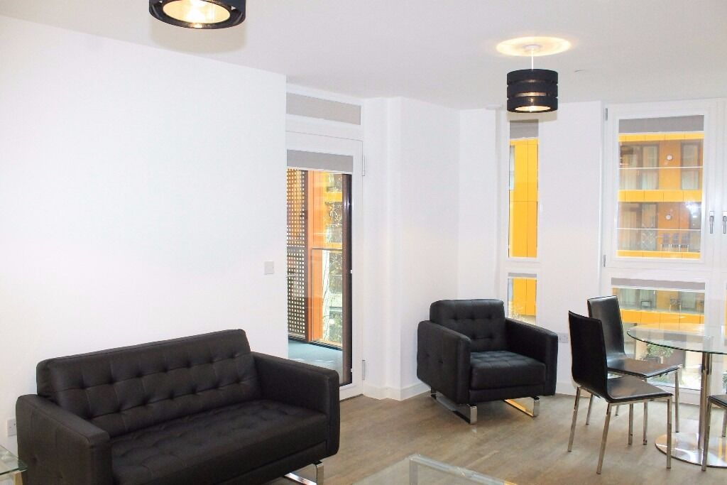 - Lovely 1 bedroom apartment is available immediately in Enderby Wharf development -