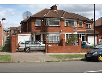 5 bedroom semi, own gated drive, off street parking,10min Canon Park tube, bus324,186,349,76,n98