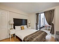 VERY LARGE 2 BEDROOMS / 2 BATHROOMS APARTMENT /PRIVATE PATIO/MODERN AND AVAILABLE NOW