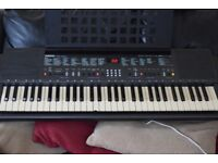 YAMAHA PSR-200 61KEYS/MUSICHOLDER/POWER/ADAPTER CAN BESEEN WORKING