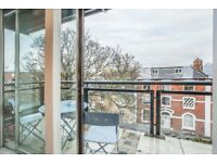 Stylish and Spacious 2 BED *PENTHOUSE* *AWESOME VIEWS*