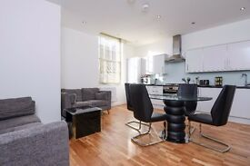 A fantastic four bedroom family house located near Brockley Station - Kneller Road