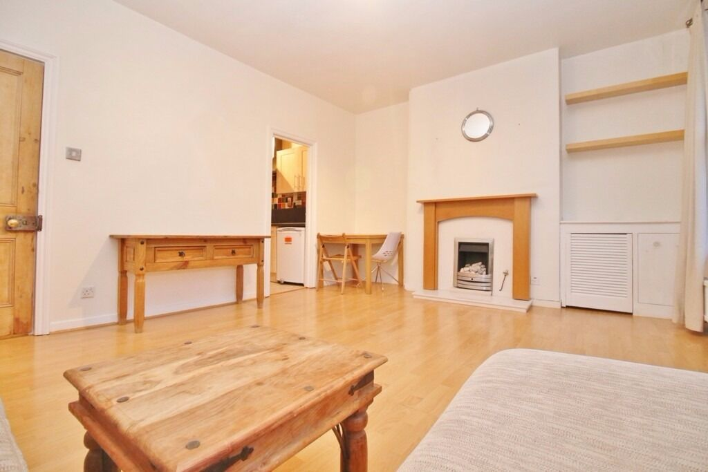 ***MODERN/SPACIOUS 2 BEDROOM ON TOLLINGTON ROAD, ARSENAL/HOLLOWAY/ISLINGTON N7***