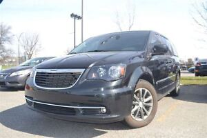 2015 Chrysler Town & Country S-DVD