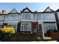 2 bedroom house in Alexandra Road, Hendon, NW4