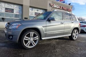 2010 Mercedes-Benz GLK-Class 350. Panoramic Roof.