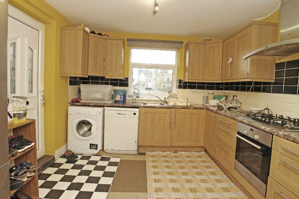 Three bedroom flat on Forest Hill Road, East
