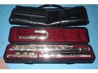 Yamaha 211SII flute with 2 mouthpieces