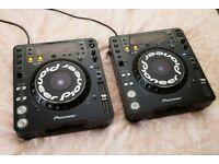 2x Pioneer CDJ 1000 MK3 CD Decks DJ Turntables