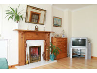 Excellent 2 bedroom maisonette flat w/ many extras to let in Stirling, close to shops and university