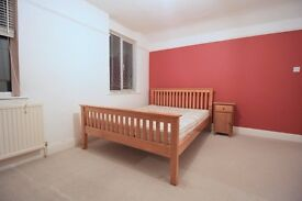 DOUBLE BEDROOM ROOM TO RENT IN ASHFORD near to staines shepperton sunbury feltham stanwell