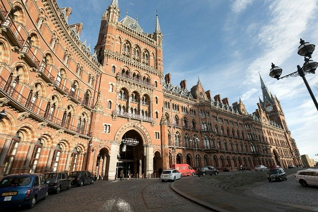 2 Double Bedroom In The Iconic St Pancras Chambers Development 690pw