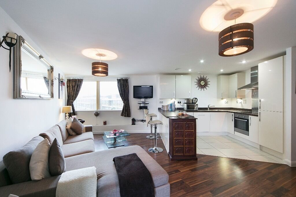 Stunning And Spacious Two Double Bedroom Flat Located In A Secure Development Available Immediately!