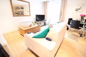 AMAZING 3 BED :: BETHNAL GREEN E2 : FURNISHED : AVAILABLE NOW!! CHEAP
