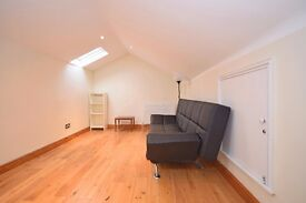 Newly refurbished 2 double bedroom split level period conversion in Tooting Bec!!
