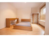 Large Spacious room right by Elephant and Castle tube! A Must See!!