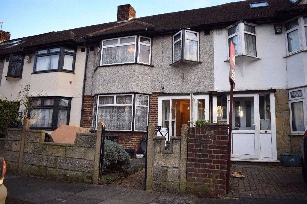 3 BED HOUSE IN MITCHAM AVAILABLE