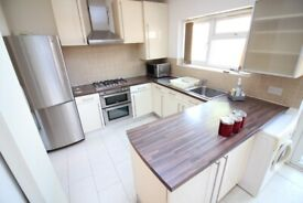 LARGE MODERN FULLY REFURBISHED ONE/TWO BED GARDEN FLAT- SOUTHALL GREENFORD HAYES
