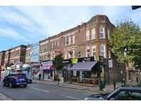 Stunning and recently refurbished 3 bedroom flat to rent in Harlesden