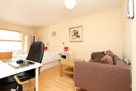 London Bridge Room Available Now