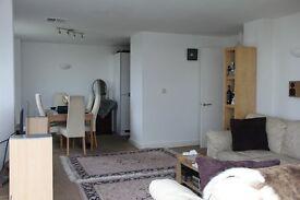 OCEAN VILLAGE, Admiral Quay, Stunning 2 Double bedroom, top flour Luxury Flat