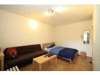 RAYNES PARK / SPACIOUS STUDIO / PART FURNISHED / 2 MINS TO STATION / SUIT PROFESSIONAL(S) CALL NOW!!