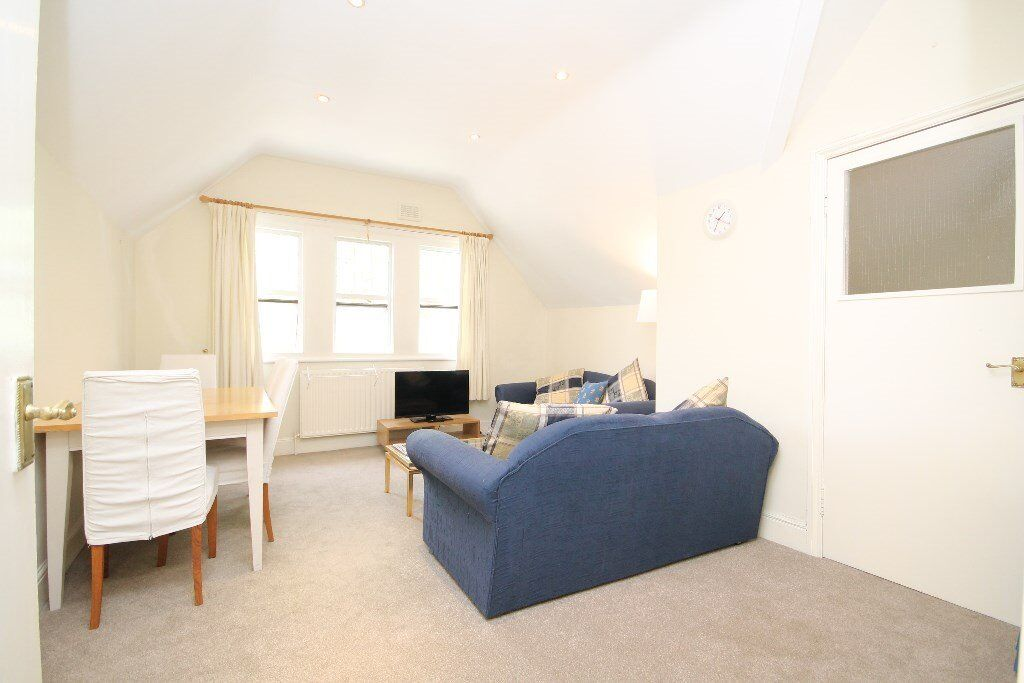 AMAZING SPACIOUS TWO DOUBLE BED FLAT - CENTRAL LOCATION