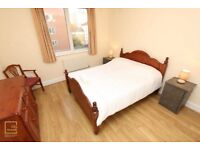 Amazing double in quiet area near Stratford station!